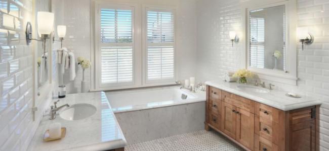 Бяло – за белите плочки и подходящите цветовите съчетания при обзавеждането за баня