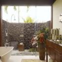 Цветя в банята – безумна идея или не